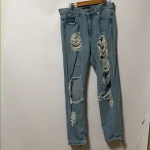 BRANDY MELVILLE DISTRESSED JEANS SIZE S